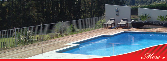 Custom Decks and Fences - Your outdoor living solution